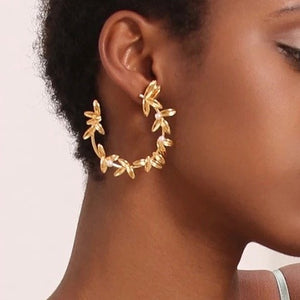 18K Yellow Gold Plated Pearl Willow Earrings