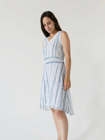 Sydney Jacquard Ruffle Sleeve Dress - Houndstooth Twilight White