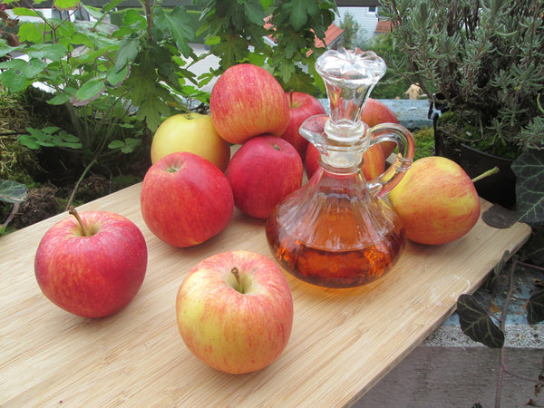 natural-remedies-for-dry-eyes-apple-cider