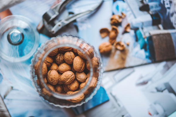 natural-remedies-for-dry-eyes-walnut