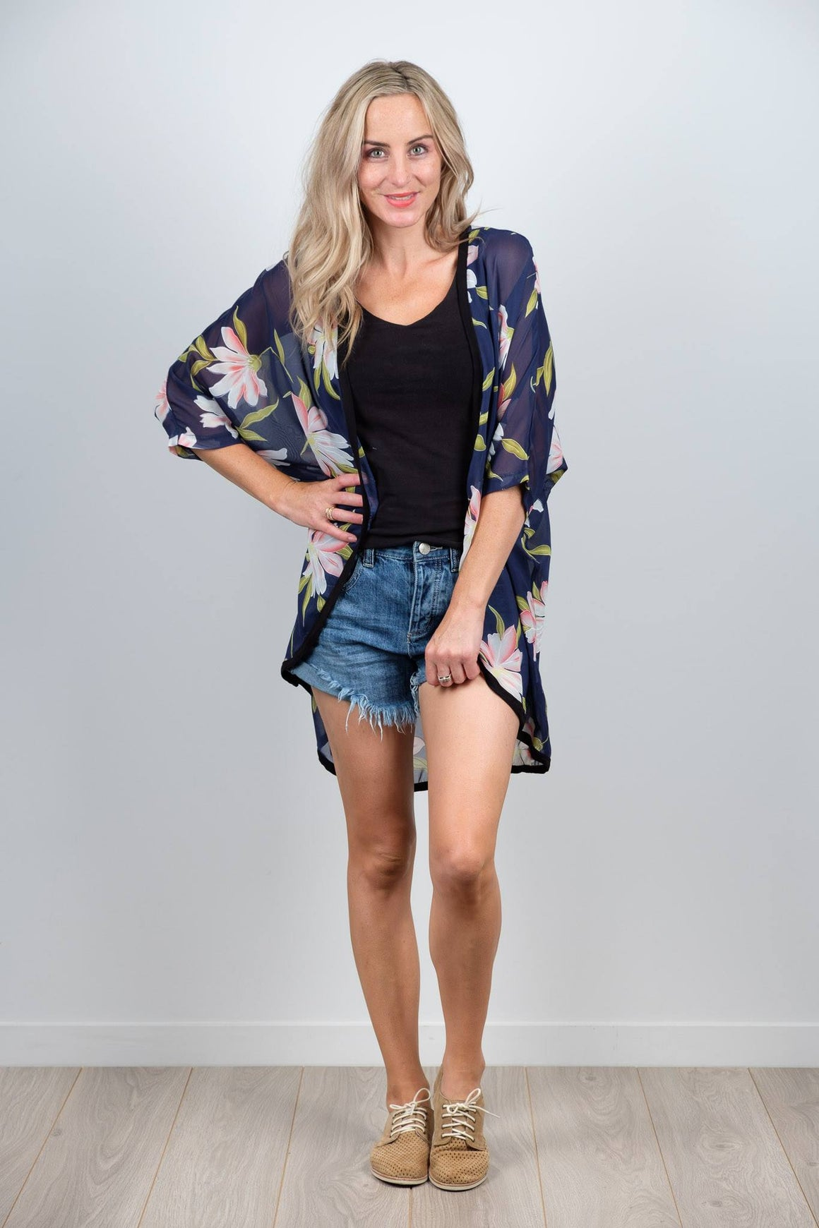 White Chalk Friday Kimono Large Navy Floral