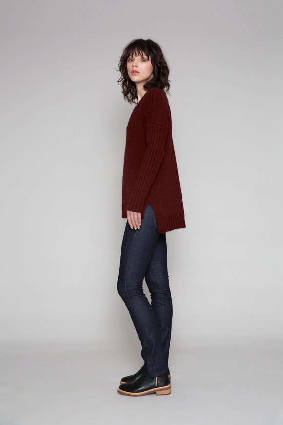 Standard Issue Alpaca Deep V - Merlot