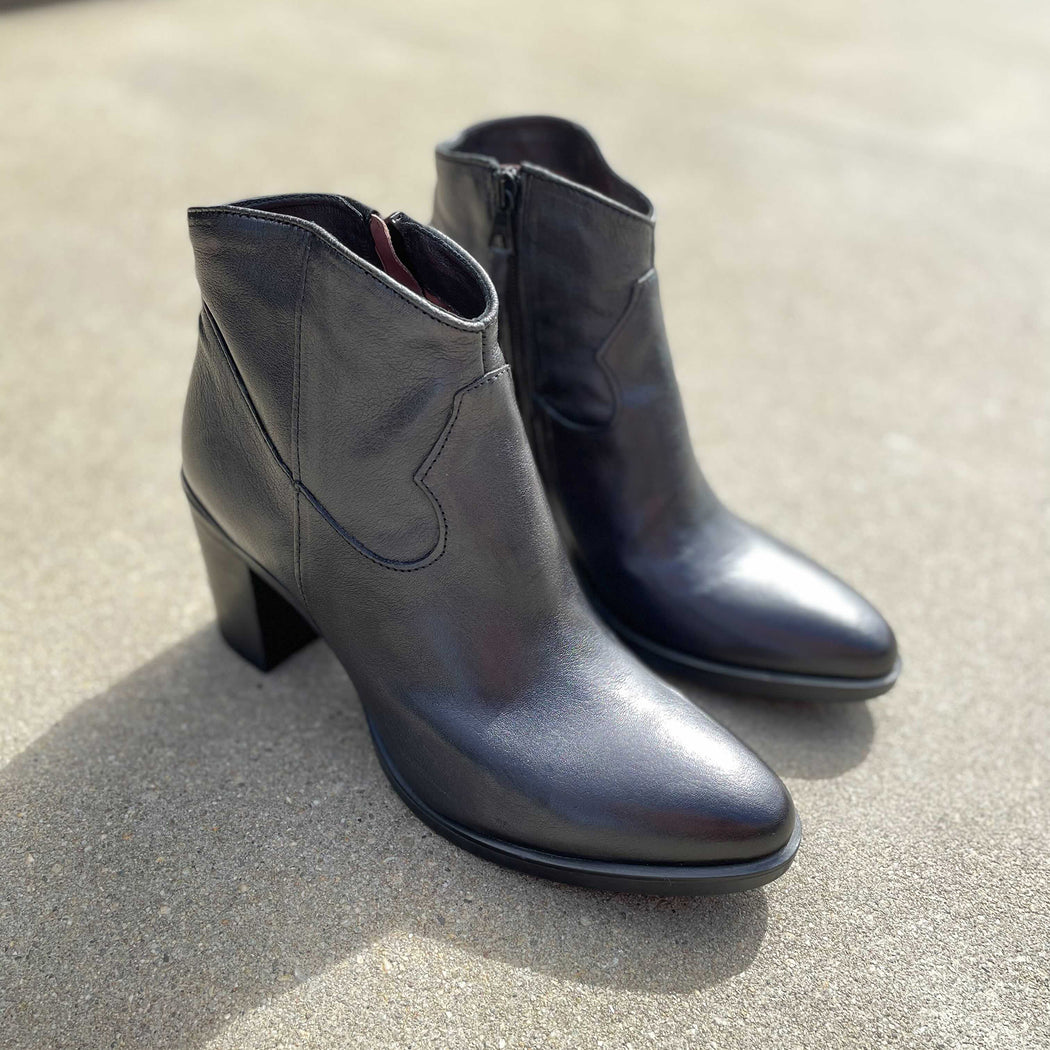 MJUS Ankle Boot - Black | Shop MJUS at Wallace and Gibbs NZ