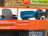 New Holland Tractor and trailer JD Peg Perago