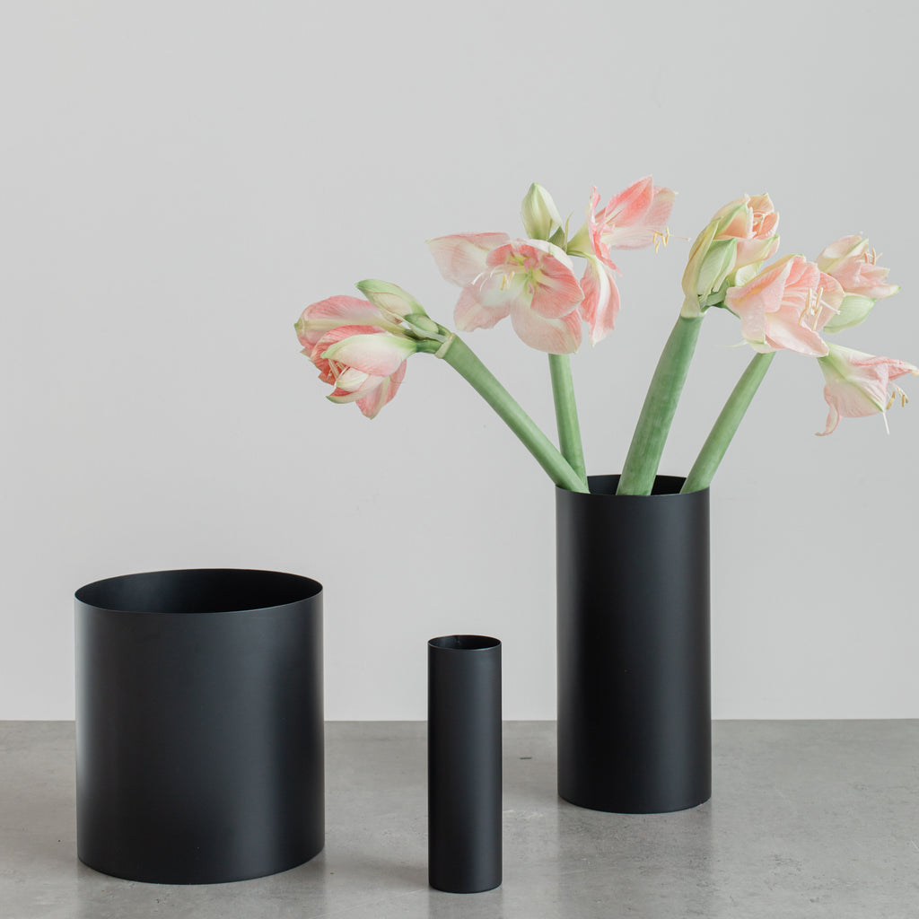 Manor Vase Black