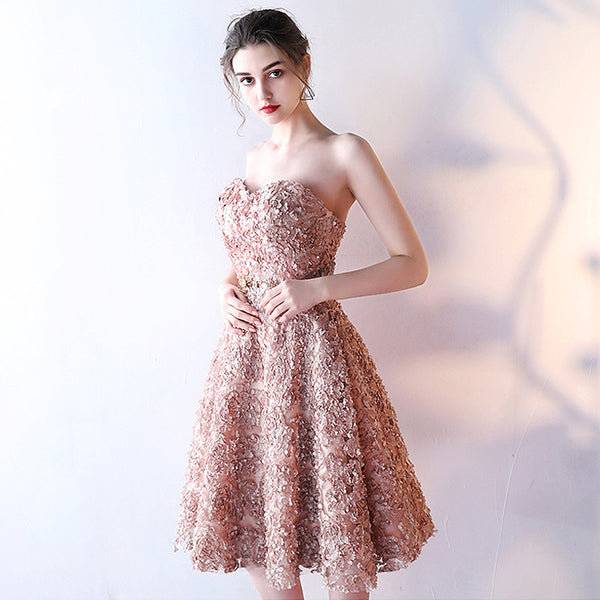 How To Look Hot And Stylish With A Short Prom Dress