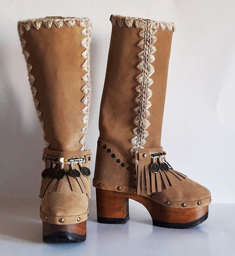 Astrid boots