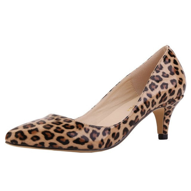 Women Low heel pumps