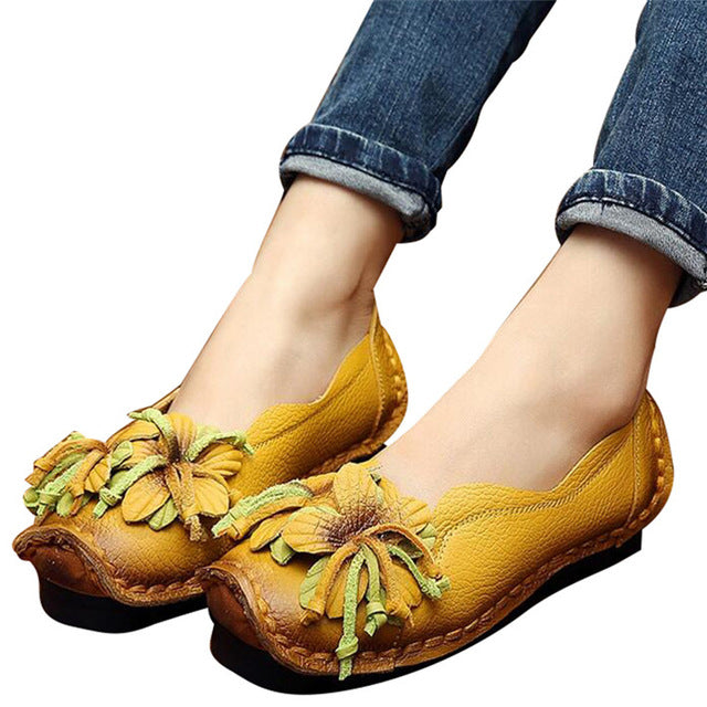 Woman's  Super Soft Loafers /PU Leather Flats Anti-Slip.  Flowers,  Bright Color Shoes.  Vintage Women's Shoes