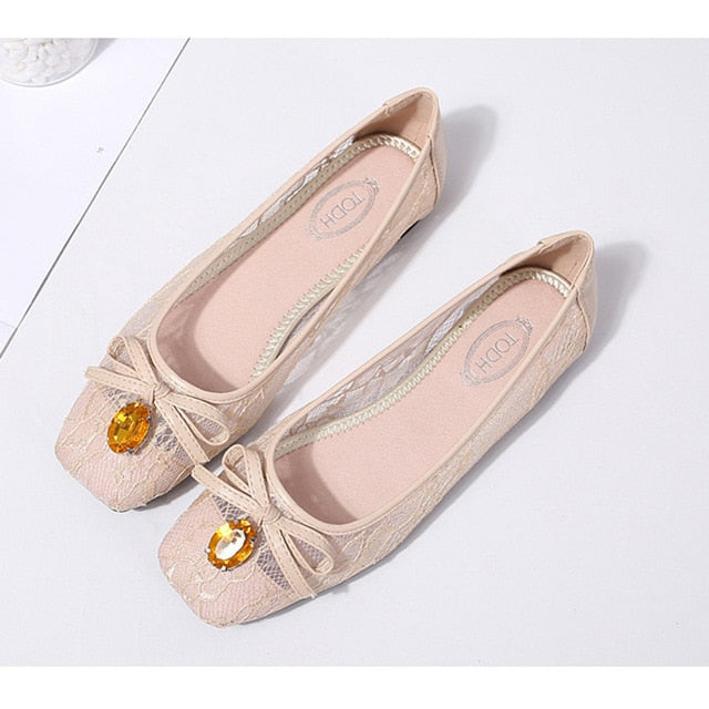 New Arrival! Women Flats /Crystal Decoration /Women Causal Slip-on Fashion Oxfords /Soft /Elegant.  Sizes 5 - 9.5