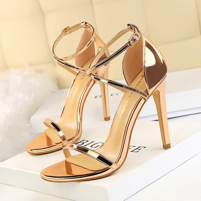 2019 New Women Sandals.   Patent Leather Women High Heels. Gold Sexy Women Pumps /Fashion Wedding Shoes/ Women stiletto