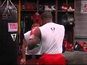 How to develop punching power on the heavy bag.