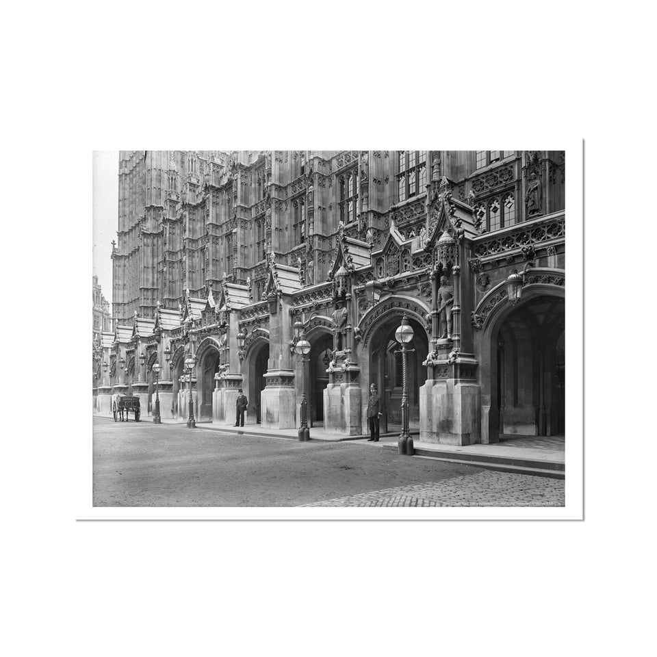 New Palace Yard with a policeman, c.1905 Fine Art Print featured image