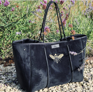 Black Velvet Bee All Rounder