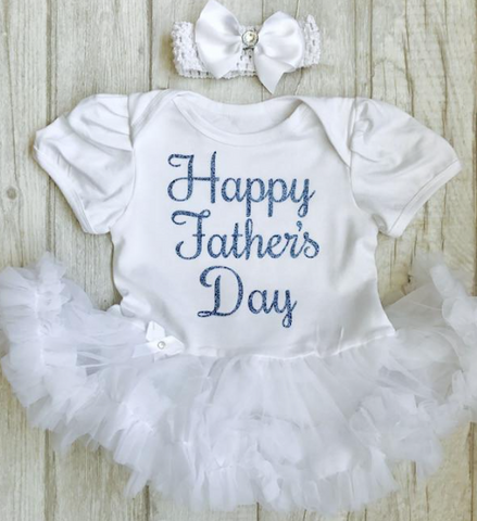102e2950 The Most Adorable Baby's Father's Day Outfit's