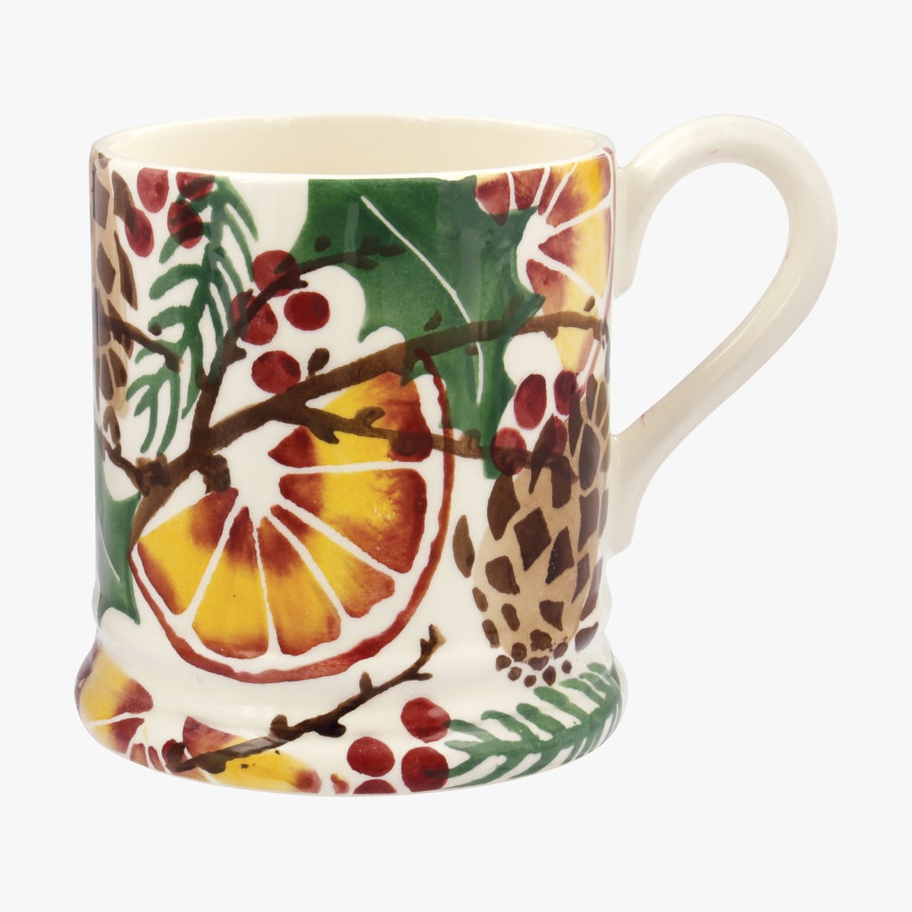 Seconds Holly Wreath 1/2 Pint Mug