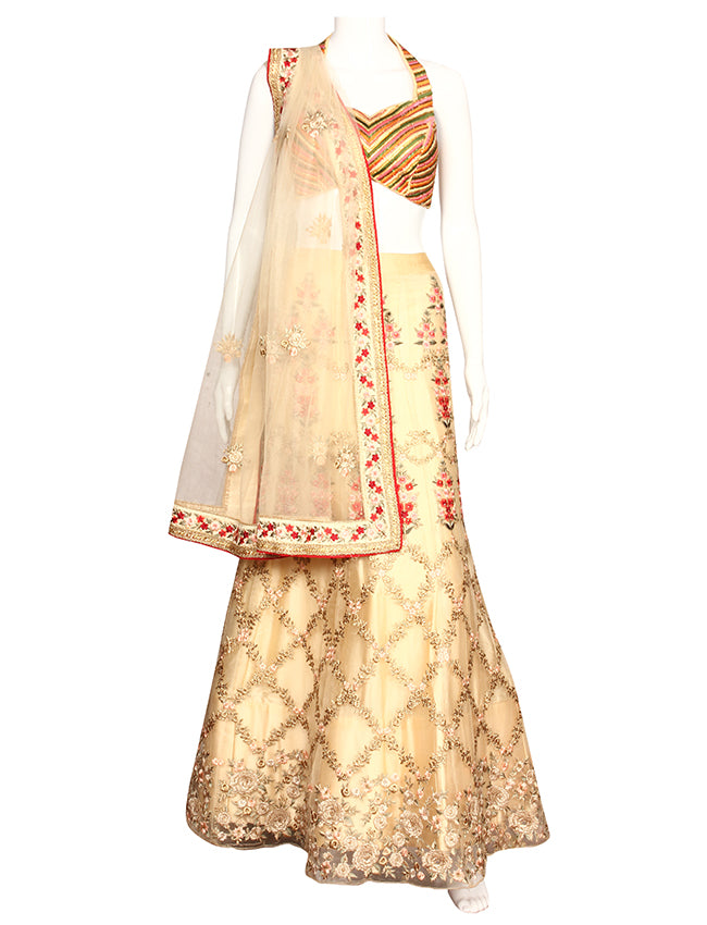 Cream unstitched bridesmaid lehenga with resham and zari embroidery