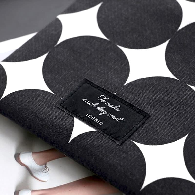 iconic-funda-mascarilla-black-dot-estilographica