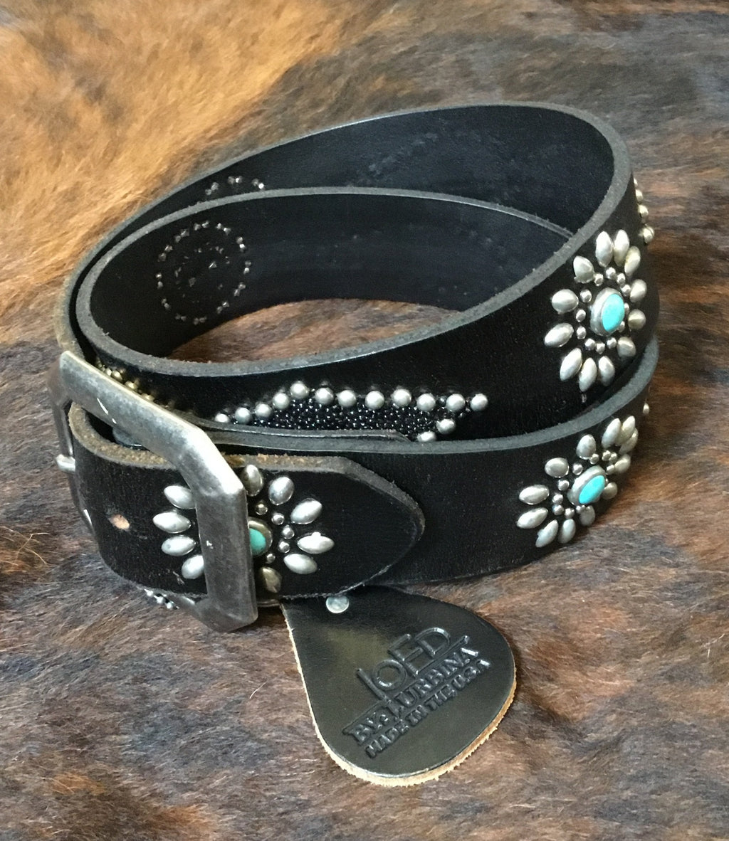Women's Black Leather Belt with STingray