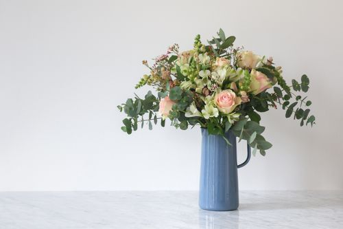 How to arrange bouquet like a pro.