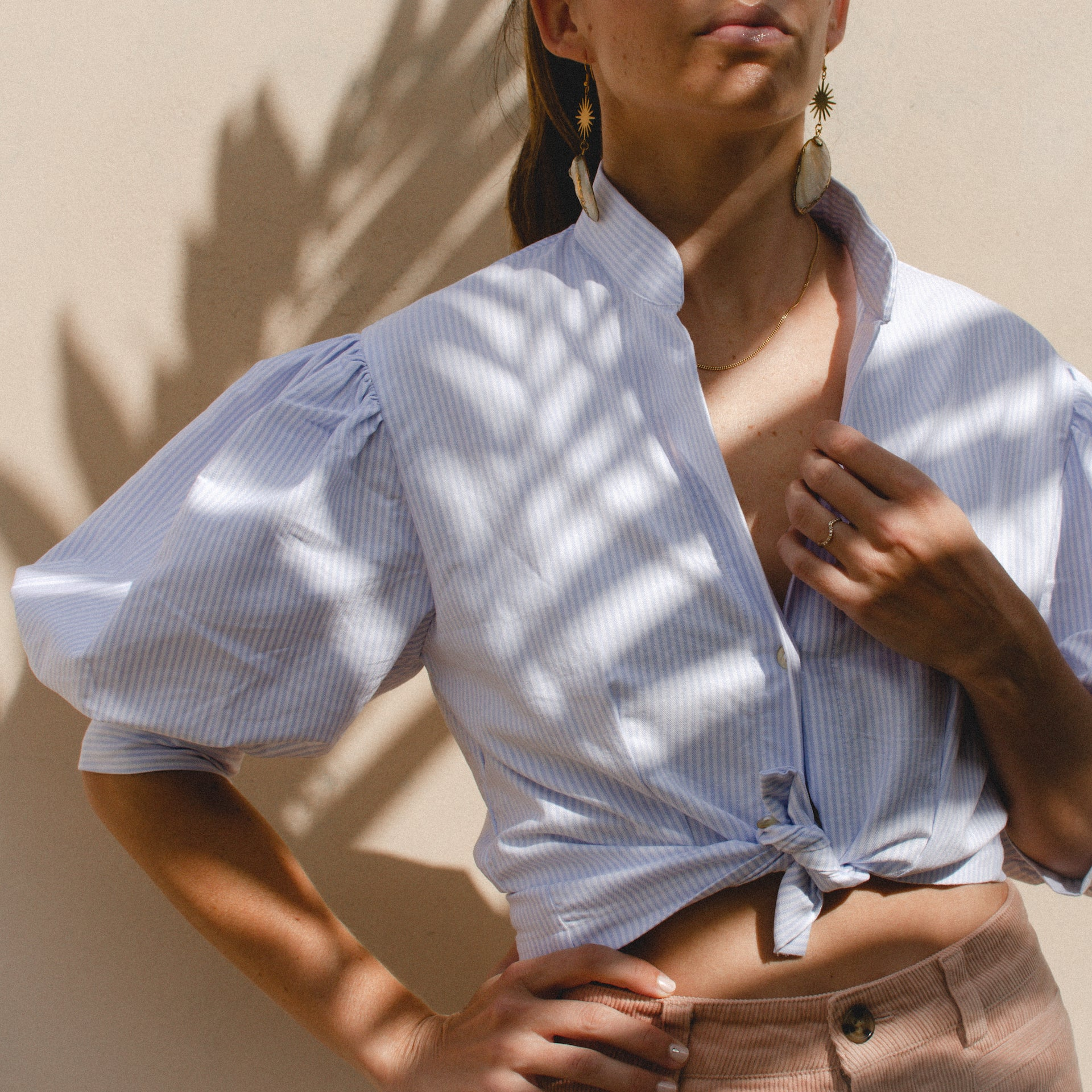 CELESTINE PUFF SLEEVE CROP SHIRT IN BLUE AND WHITE STRIPES