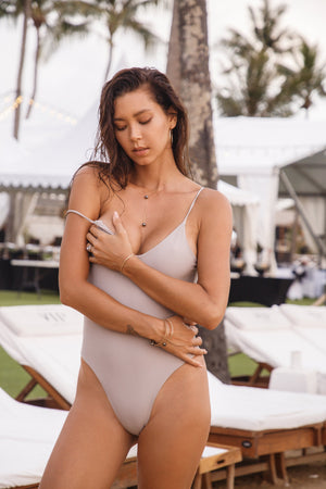 KEZIAH One-Piece in STONE