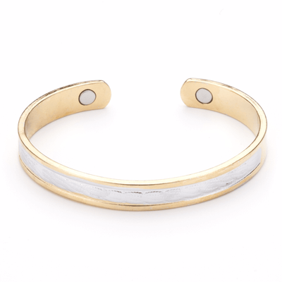 Caesar Magnet Cuff With Brushed Silver In Gold