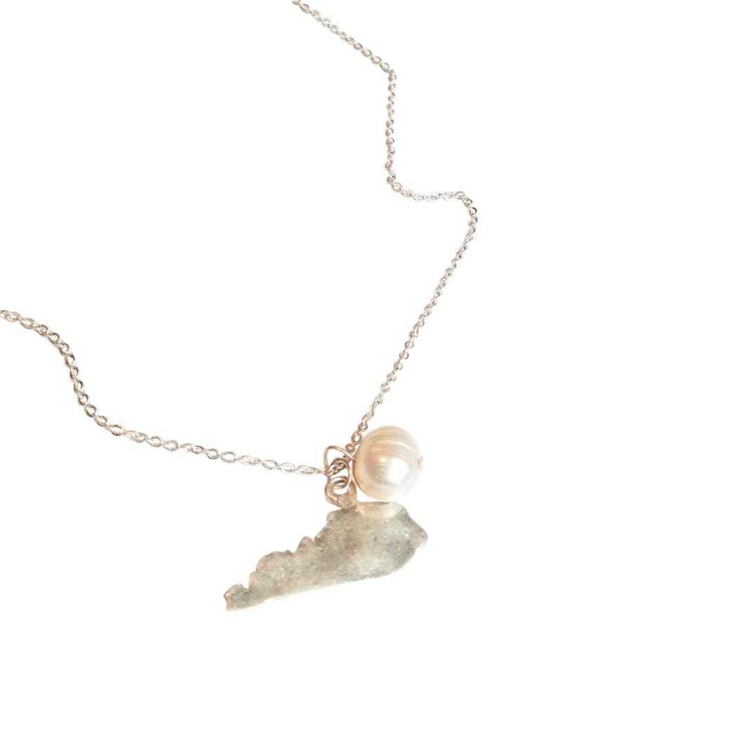 Kentucky Pendant Necklace With Pearl