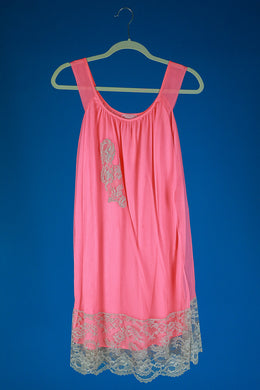 Birdie- 1960s Vintage Pink Short Lace Applique Nightgown