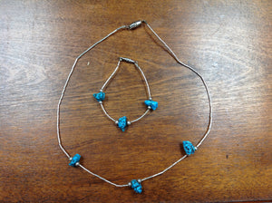 Chunky turquoise necklace and bracelet set