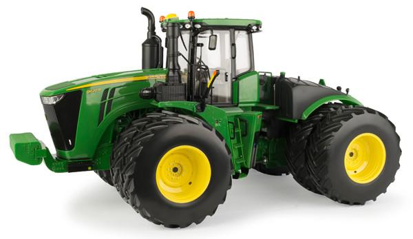 JOHN DEERE 1:16 SCALE PRESTIGE COLLECTION 9620R REPLICA TRACTOR - LP53348