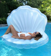 Seashell Float