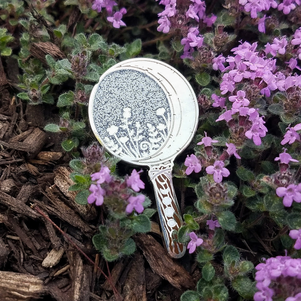 Boline Moon Harvest Pin