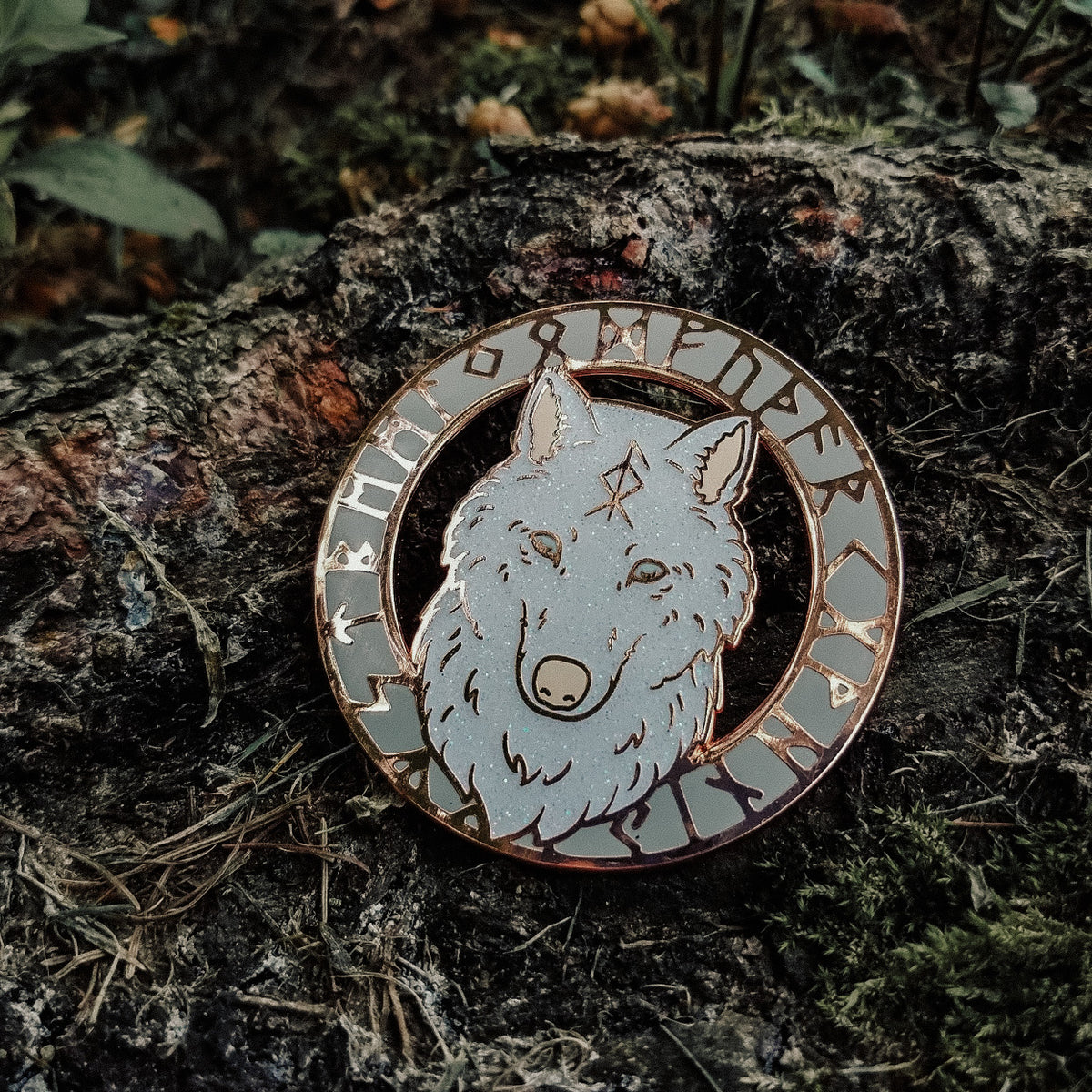 Animal Spirit Totem Enamel Pin - Wolf