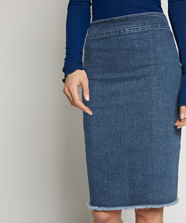 Denim Pull on skirt - Avenue Montaigne