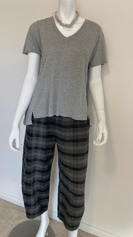 Baci Grey Plaid Capri