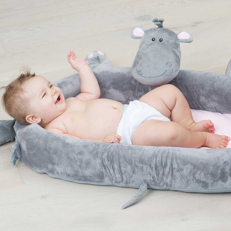 lulyzoo toddler lounge - outdoor lifestyle