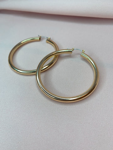 Elizabeth Hoops - Gold