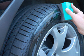 Contoured Tire Dressing Applicator