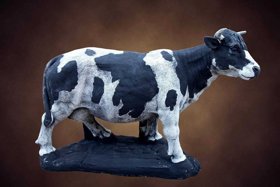 Large Cow Black / White Concrete