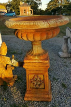 Jefferson Urn With Stand Rust