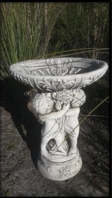 Small 3 Cherub Bird Bath (Fancy Lid)