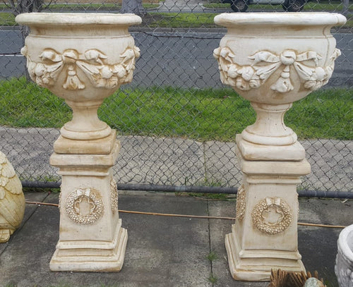 Large Flower Urn / Bow Pedestal