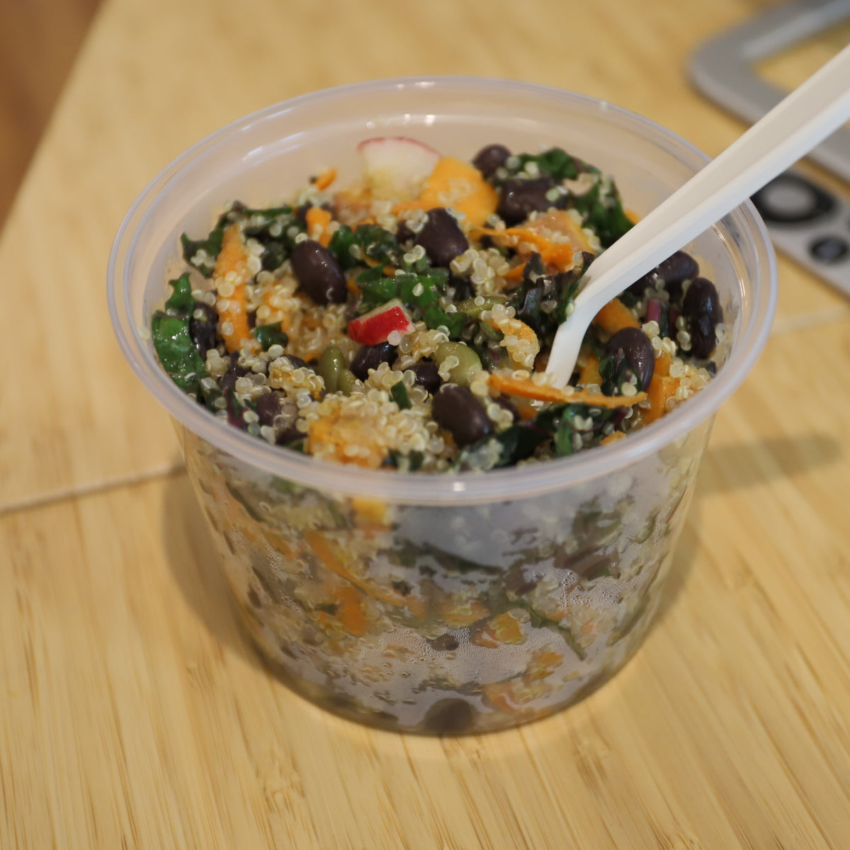 Black Bean Quinoa Salad with Kale & Maple Roasted Yams (16 oz)