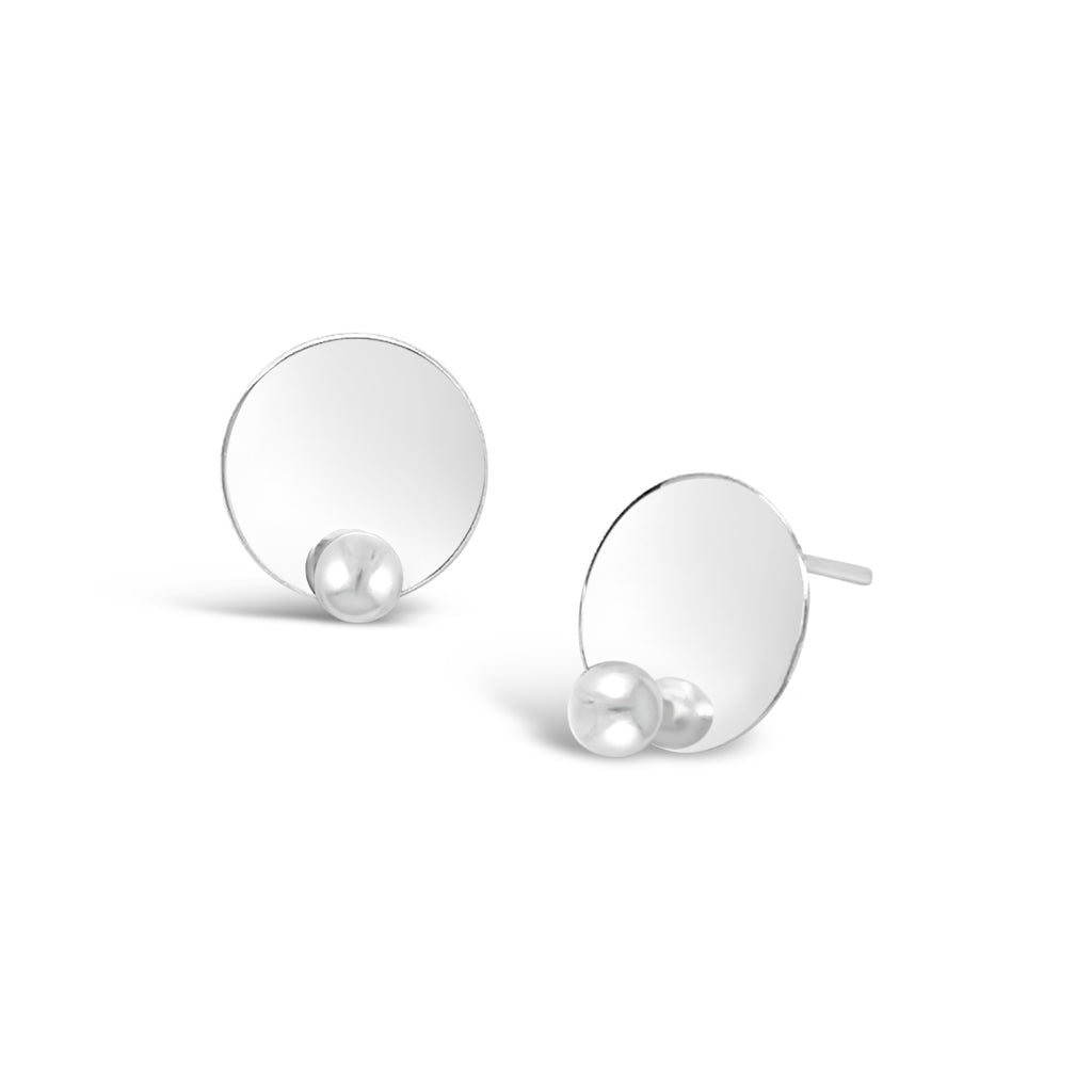 DISK N' PEARL EARRINGS