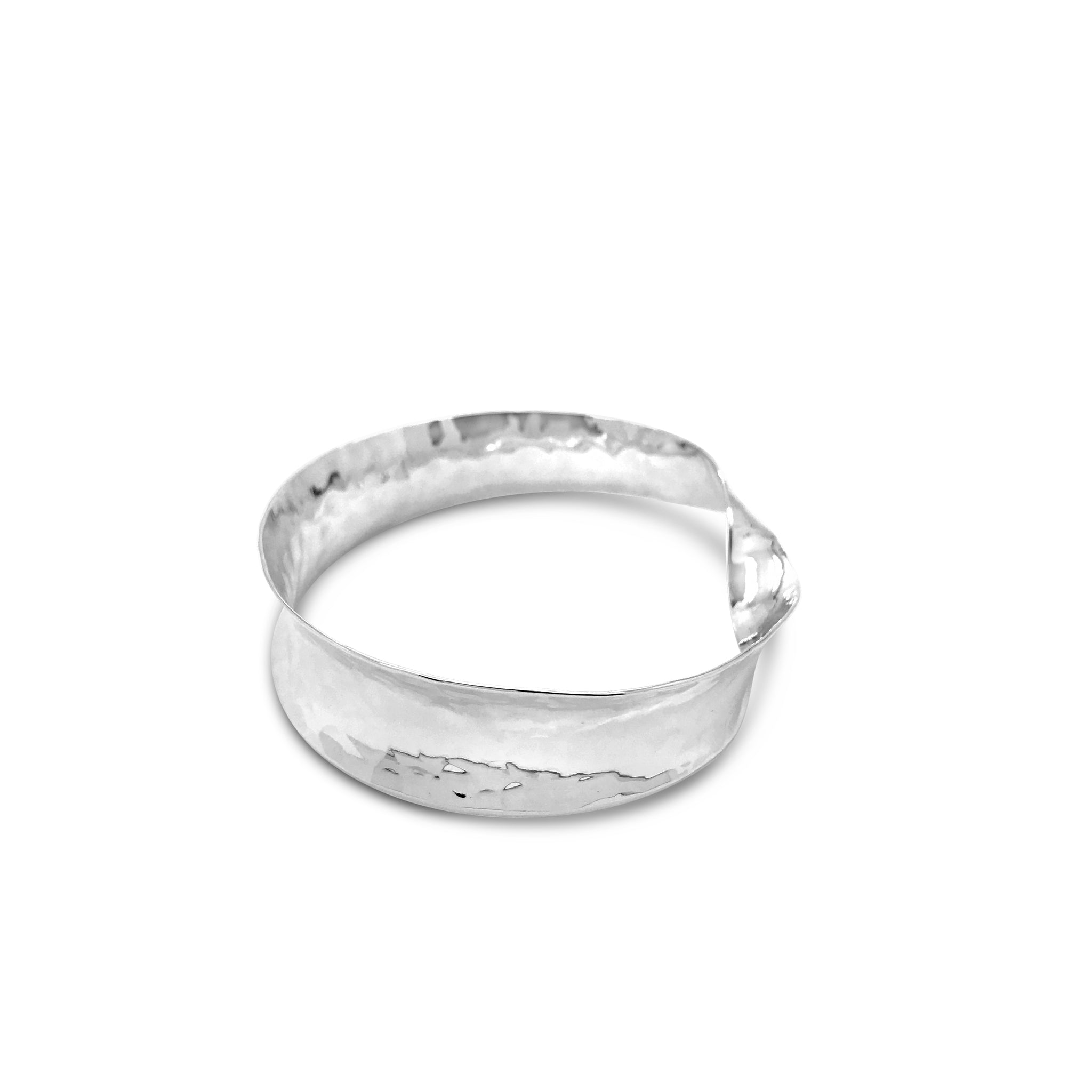 HAMMERED CONCAVE TWIST BANGLE