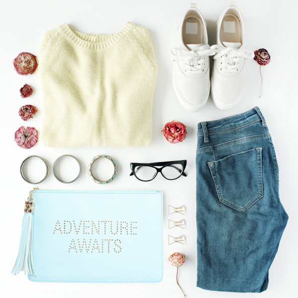 Adventure Awaits Fun Clutch