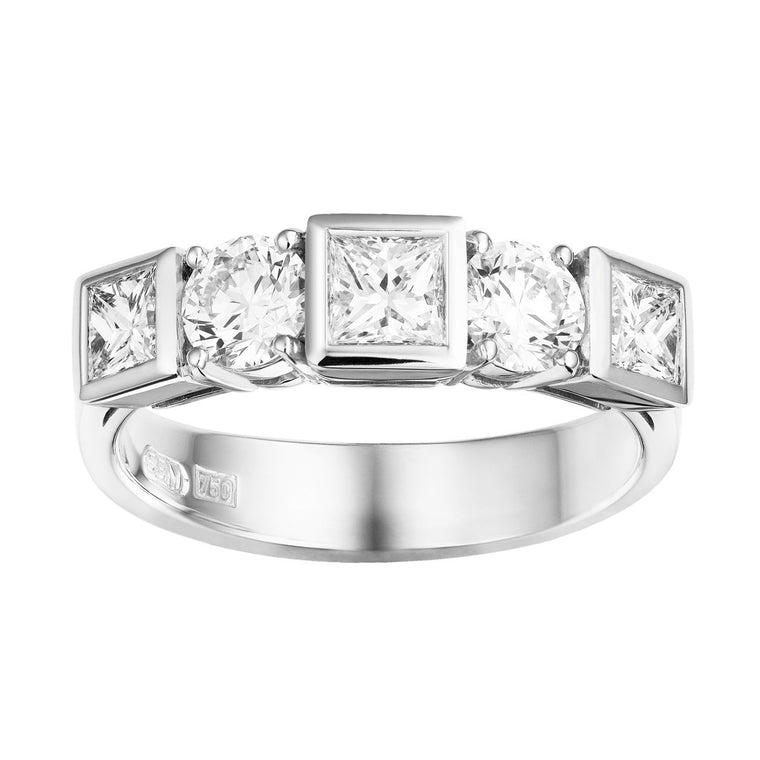 Chantum diamond ring