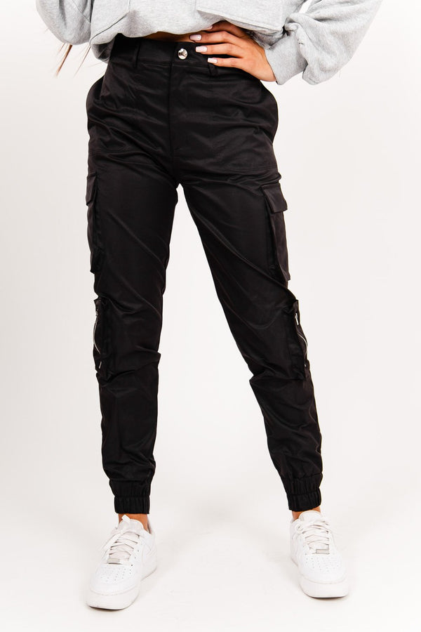 Zipped cargo pants black