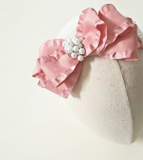 Pearls of wisdom hair clip / hair bow